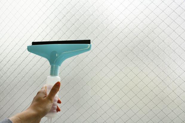 窓掃除の時短アイテム水切りワイパー!4つのコツでクリアに仕上げる ...